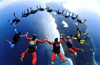 skydivers1.jpg